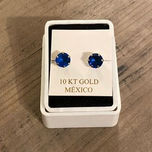 Jewelry - 10K Yellow Gold Studs